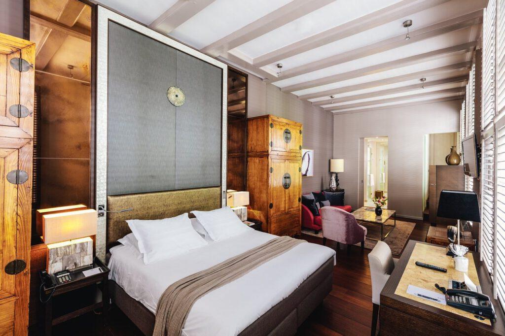 Eén van de prachtige kamers voor een staycation in The Dylan Amsterdam - Reisgelukjes