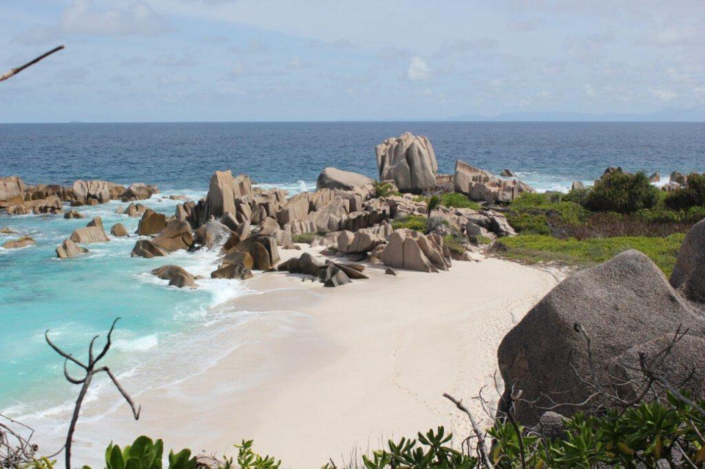 De prachtigste verlaten stranden tijdens jullie low budget reis naar de Seychellen