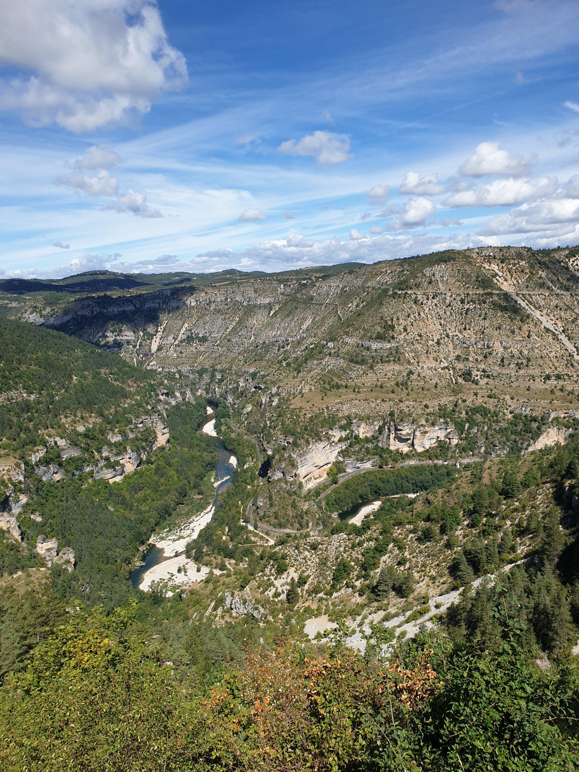 Uitzicht vanuit Gorge du Tarn vanaf de hoogvlakte van de Cevennen