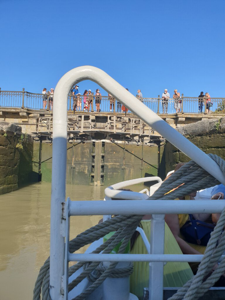 Laag water in de oude sluis van Carcassonne