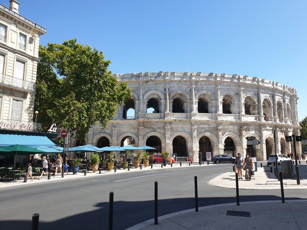 Romeins amfitheater Nimes van buiten