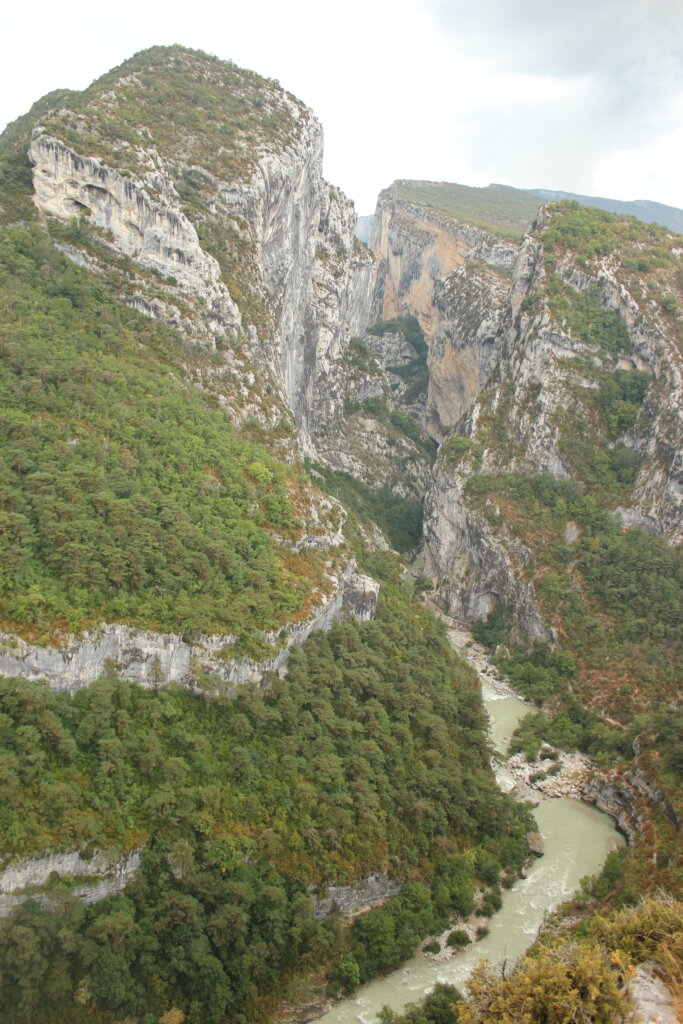 Eén van de hoogtepunten van iedere Frankrijk-reis: Ingang van de Gorge du Verdon bij Rougon