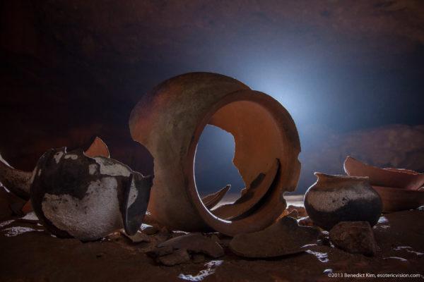 Typische potten van de Maya's: Foto door Benedict Kim @Esoteric Vision Photograph