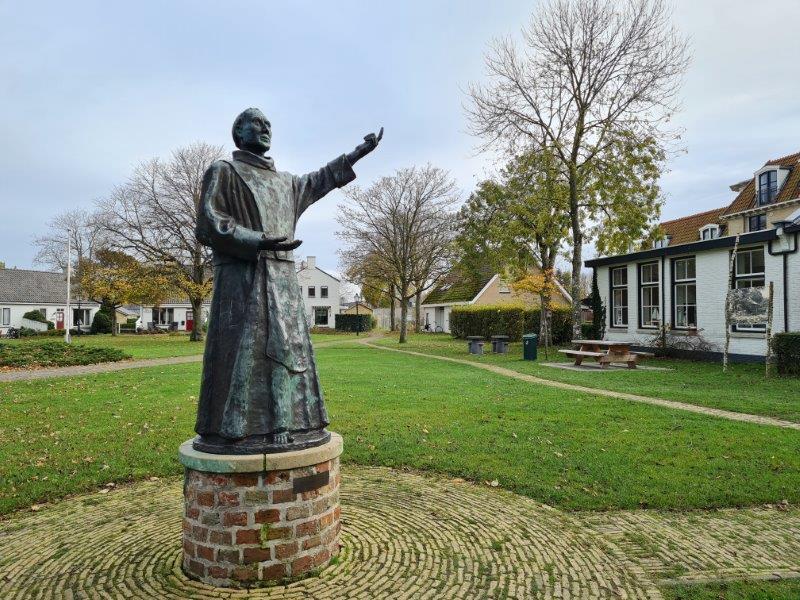 Het beeld van de Schiere Monnik: naamgever van Schiermonnikoog