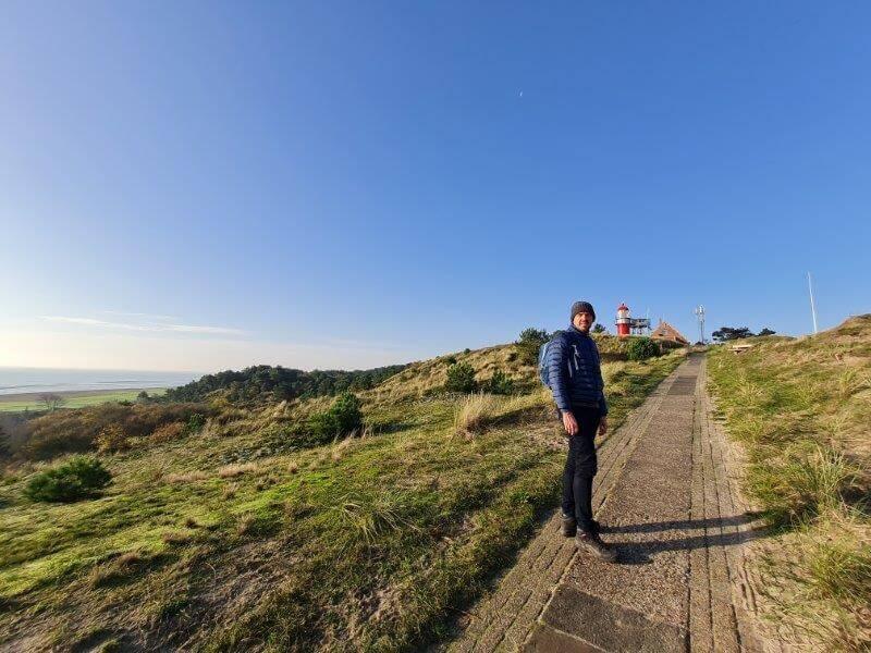 Tips voor een weekend Waddeneiland Vlieland: wandel naar de vuurtoren voor een prachtig uitzicht