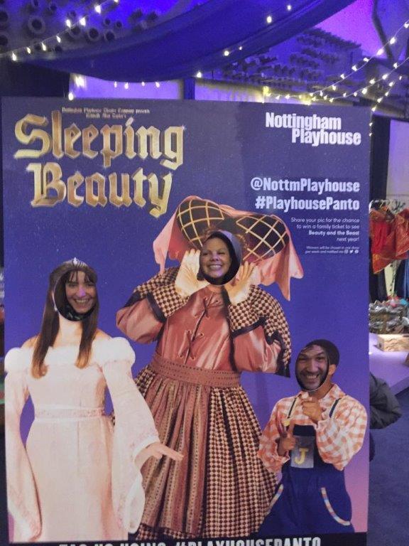 Een echte Britse Kersttraditie: lol tijdens de Pantomime