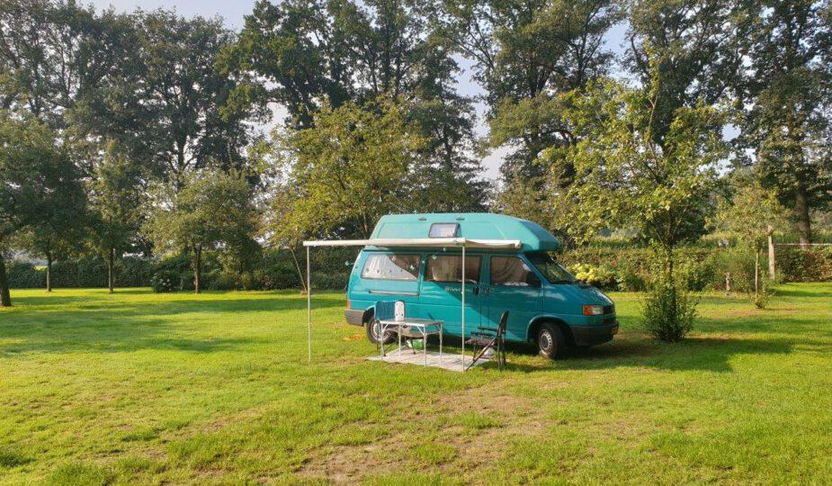 Met de kampeerbus op een Twentse camping