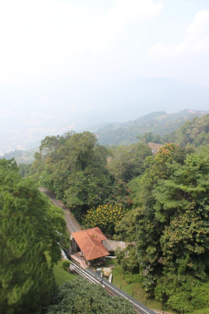 Kabelbaan en uitzicht vanaf Penang Hill in Maleisië