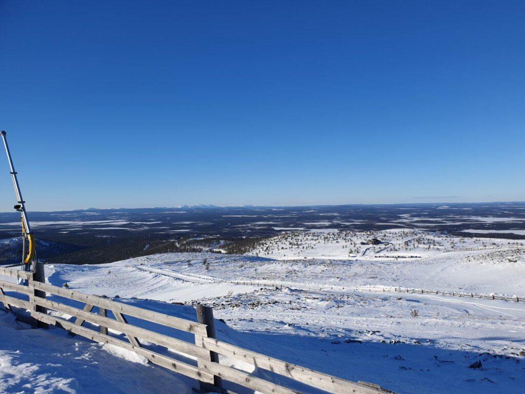 Wijdse uitzichten tijdens een skivakantie in Levi Lapland