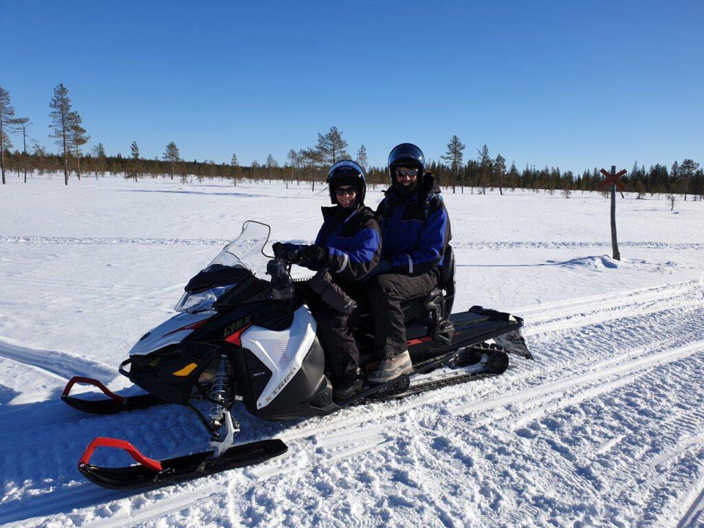 Sneeuwscootertocht in Fins Lapland