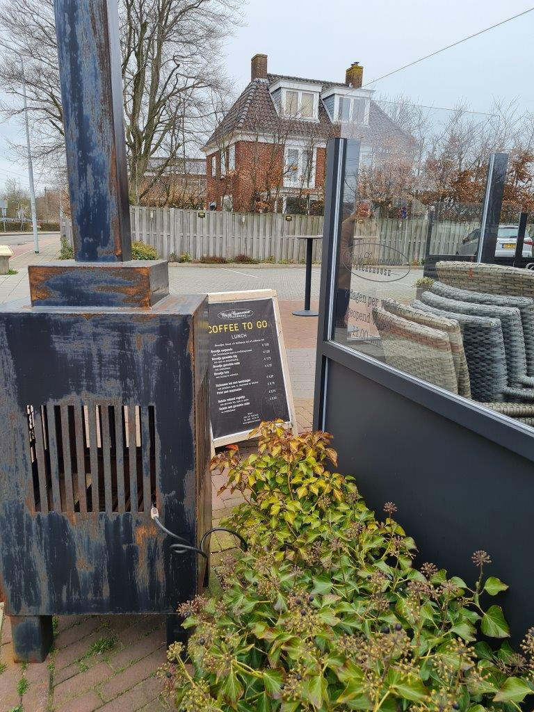 Wandelroute uitstippelen Castricum eerste stop steakhouse bij de buurvrouw