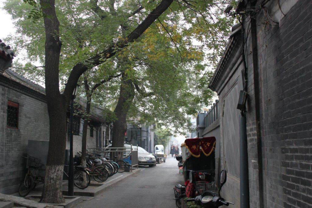 Smalle straatjes in een hutong in Beijing