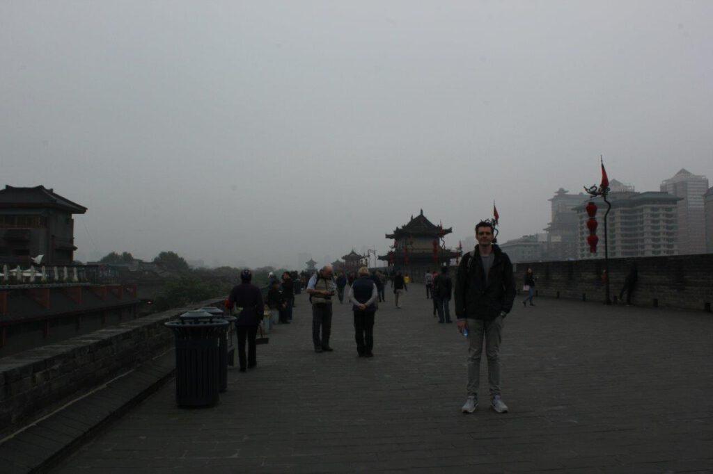 De stadsmuren van Xi'an tijdens een rondreis China