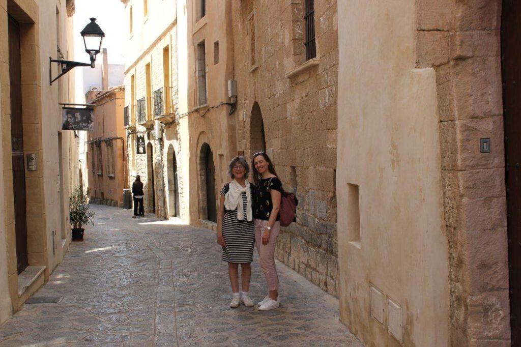 Dwalen door Dalt Villa tijdens een reis op Ibiza