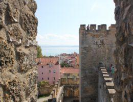 Reizen naar Portugal naar het kasteel van Lissabon