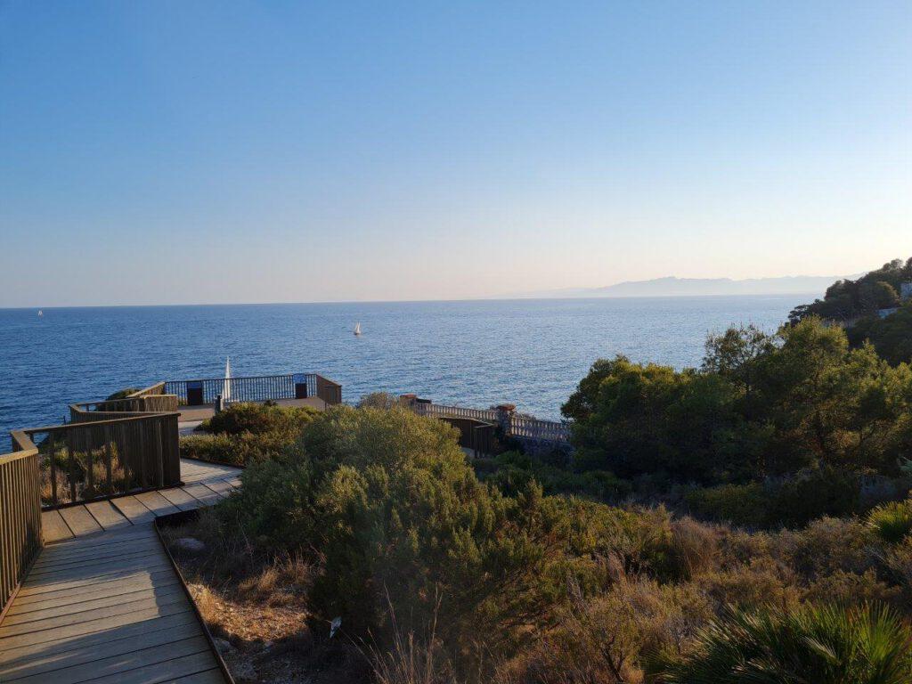 Kustwandeling bij Cap de Salou tijdens een vakantie in Spanje