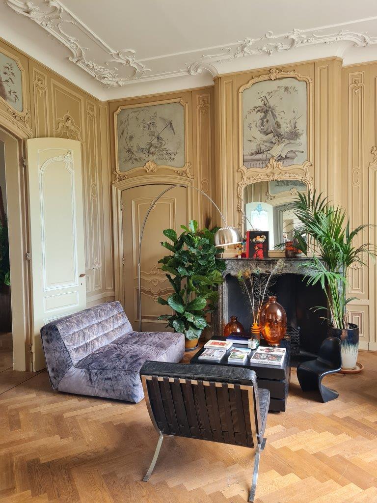 Het knusse interieur van Plantage Rococo