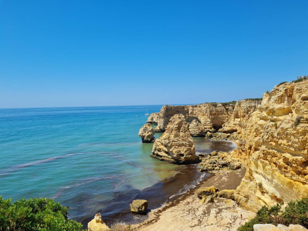 Praia da Marinha tijdens reizen Algarve